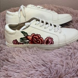 Kenneth Cole rose embroidery white leather shoes
